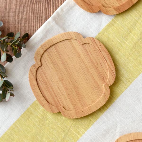 【ゆうパケット対象】職人が作り上げた、優しいお花のコースター。食器 おしゃれ/小皿/かわいい/花優しいお花のコースター。 木製コースター 花型 minoruba(ミノルバ) コースター 木製コースター 木製 木のコースター キッチン雑貨 トレー カップトレイ 茶たく 茶托 来客 おもてなし おしゃれ カフェ食器【ゆうパケット対象】