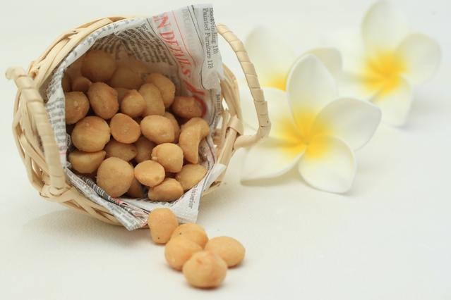 マカダミアナッツ 世界美食探究 オーストラリア産 ナッツ(素焼き) 10kg(1kg×10袋) 無塩ナッツ 【業務用】【無塩、無油】