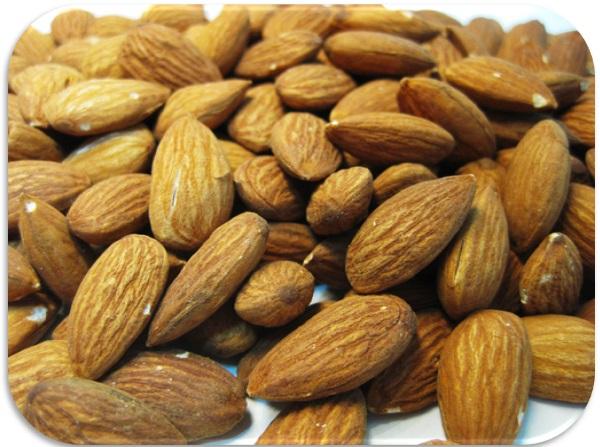 アーモンド 世界美食探究 カリフォルニア産 ナッツ  10kg(1kg×10袋) 【業務用】【素焼き】【無塩、無油】【Almond 】