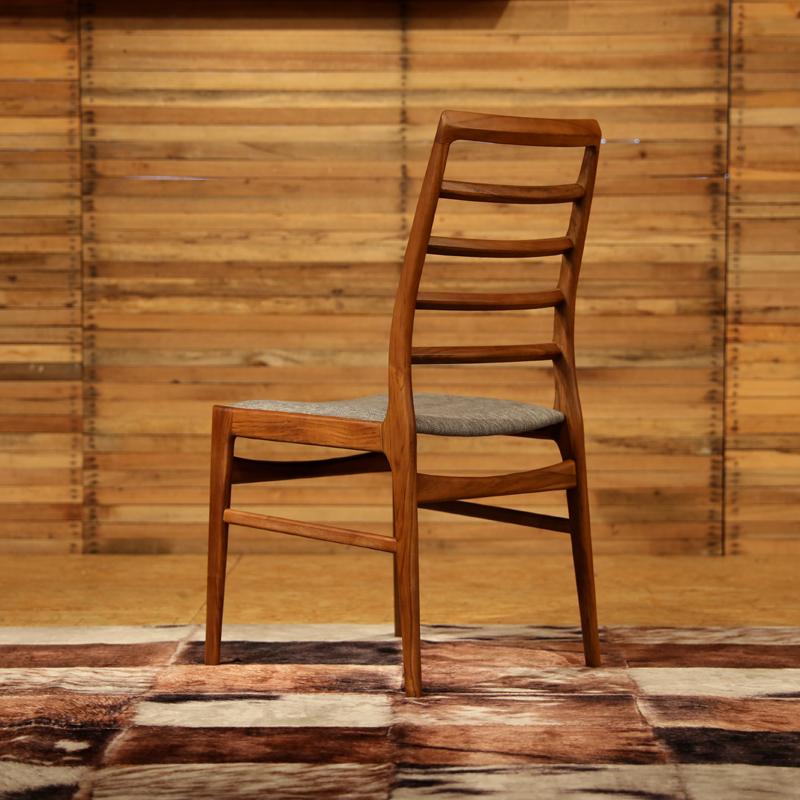 商品名| FORMA フォーマ ダイニングチェアカラー| チーク レッドブラウン色サイズ| 幅 56 奥行45 高さ91(座面45)cm北欧テイスト ウレタン塗装 おしゃれ 椅子 ダイニング用食卓用 ミッドセンチュリー レトロ ナチュラル 卓椅子 イス