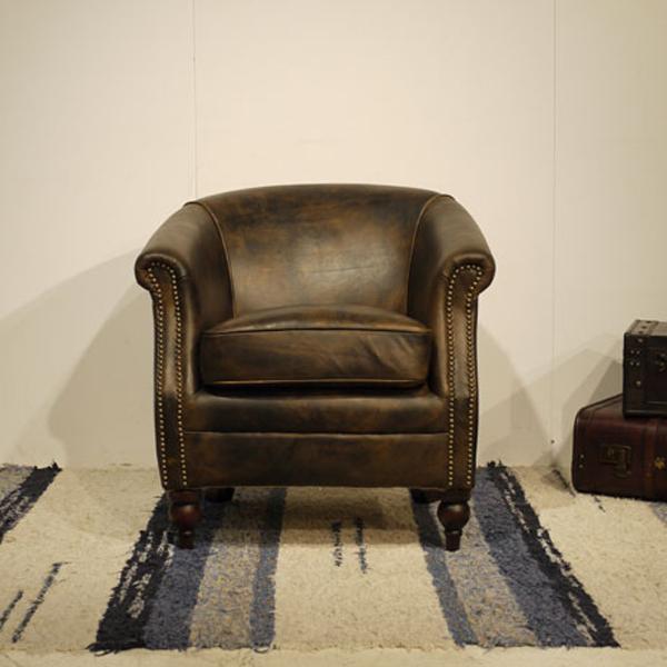 【商品名】Vintage Leather Sofa - 03【サイズ】 幅 70cm 1人掛け 1P ソファー アンティークモダンデザイン鋲飾り ヴィンテージレザー革 レザー 本皮張り椅子アンティーク レザー ラウンジアームソファ本革張り 一人掛け