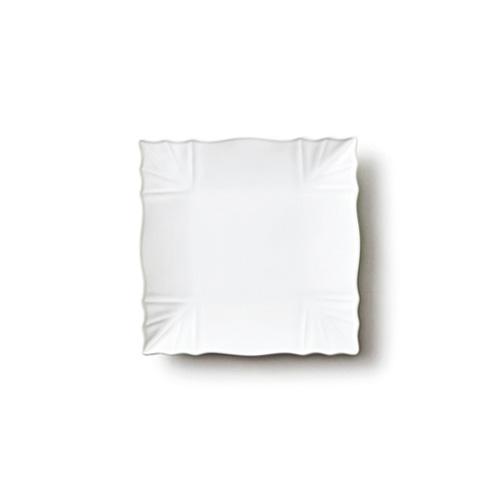 スーパーアウトレット品の為、数量限定でお値打ち価格♪中央へ流れるラインが美しい^-^/取り皿にぴったりなデザインスクエアプレートです♪ 【B級品 スーパー アウトレット】リンクル 15cm プレート Sサイズ日本製 磁器 白い食器 取り皿 おしゃれ スクエア業務用食器 食器 白 四角 皿【HL_NEW_18】