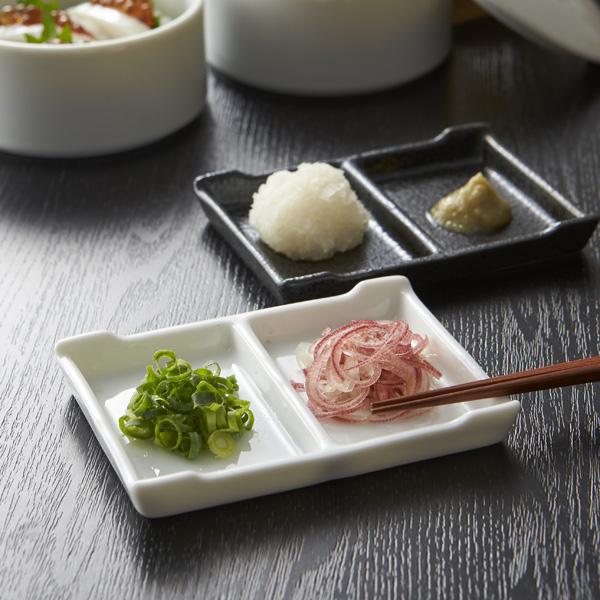 お箸が安定して置ける 軽くて浅めの二つ仕切りのタレ皿です 重なりも良好 潤卓 二つ仕切り皿 アウトレット含む 日本製 皿 おしゃれ お皿 食器 白 アウトレット 白い食器 白磁 2つ仕切り 新発売 磁器 二品皿 箸安定 たれ 醤油皿 陶器 通信販売 タレ皿 業務用食器 箸置き