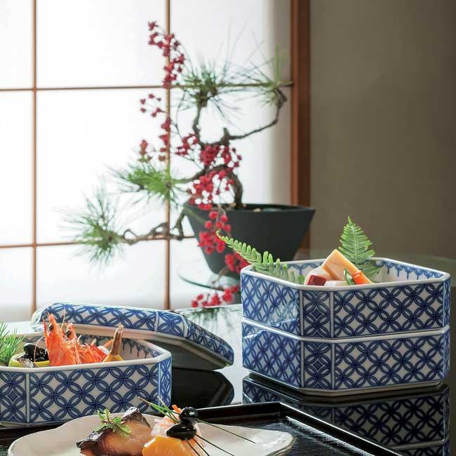 【送料無料】和食器 たち吉 染付七宝 三段重 227-0279 迎春 お正月 おせち料理 たちきち