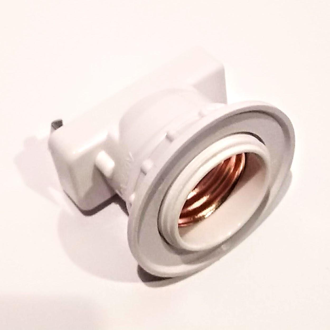 高品質新品 600Wまで ついに入荷 天井の引掛シーリング用 電球E26口金ソケットアダプタ
