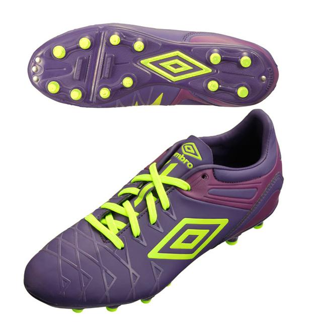 umbro spike shoes