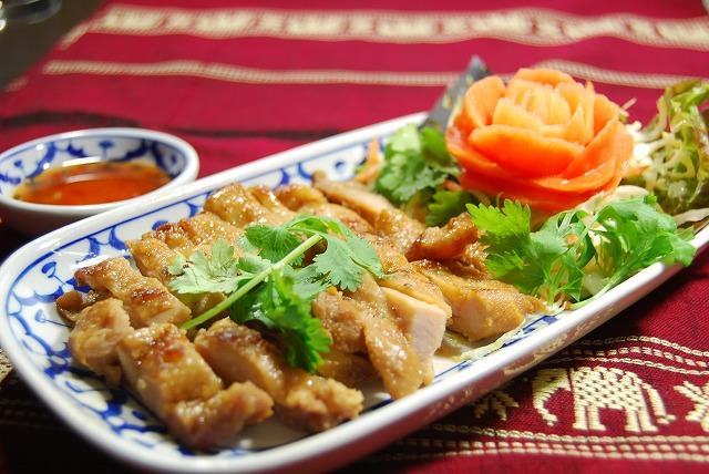 ☆ 인기 있는 태국 닭 꼬치 ☆ 호 털 스위트 칠리 소스와 인기 태국 요리