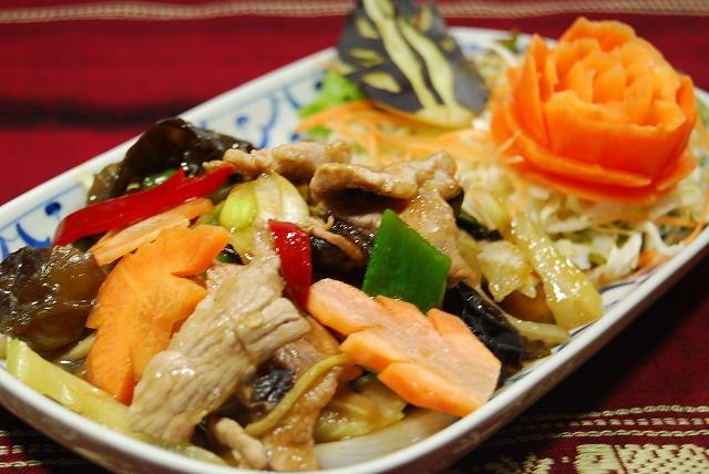 ☆ 무 팟 킨 ☆ (돼지고기 생강 태국 풍 볶음) 인기 태국 요리