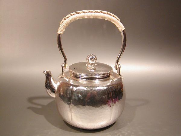 茶器・茶道具 銀瓶阿古陀(あこだ)型 湯沸 銀仕上秀峰堂作