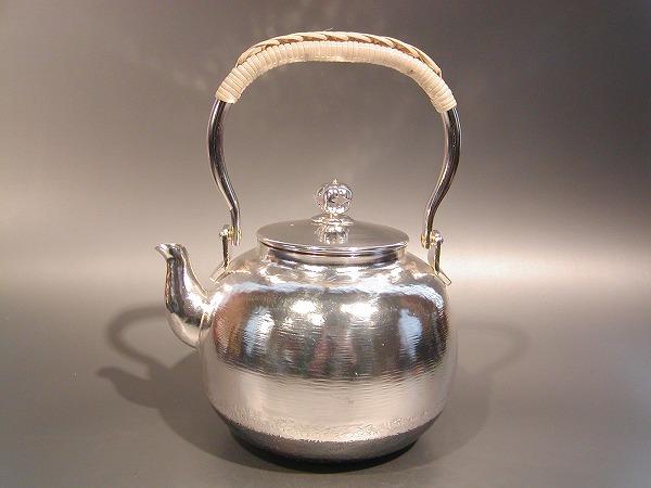 茶器・茶道具銀瓶 丸型 湯沸銀仕上秀峰堂作