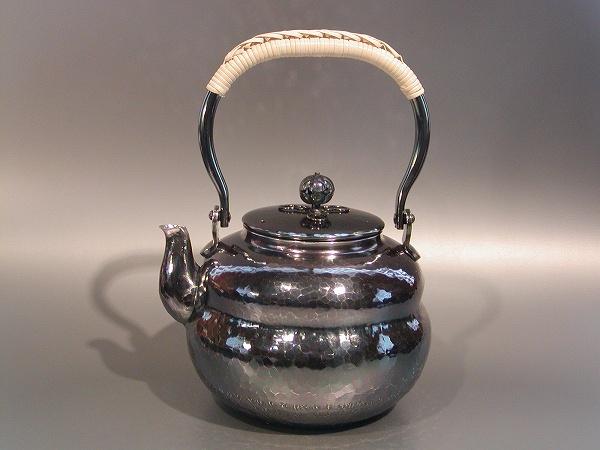 茶器・茶道具銀瓶 六瓢(むびょう)湯沸銀燻(ギン イブシ)仕上秀峰堂作