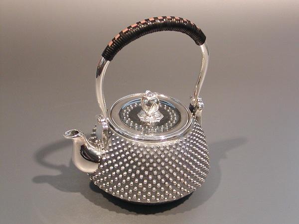 銀製茶器・茶道具純銀 霰(あられ)急須大野芳光作