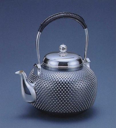 銀製茶器・茶道具純銀製 丸型 霰(あられ)銀瓶福島宗秀作