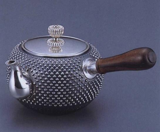銀製茶器・茶道具純銀製 丸型 アラレ打 横手急須大野芳光作