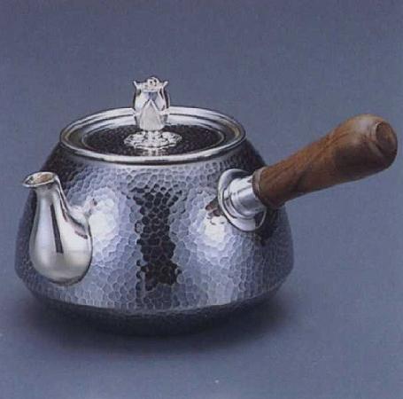 銀製茶器・茶道具純銀製 釜型 鎚目打 横手急須大野芳光作