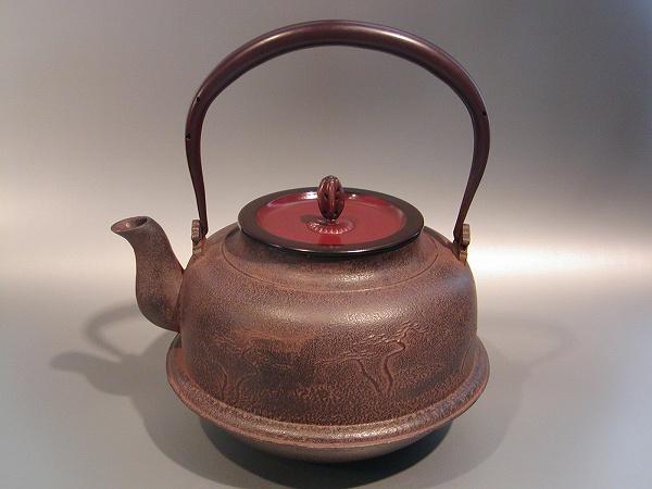 茶器・茶道具 鉄瓶真形(しんなり) 浜辺の松図手塚 圭成作