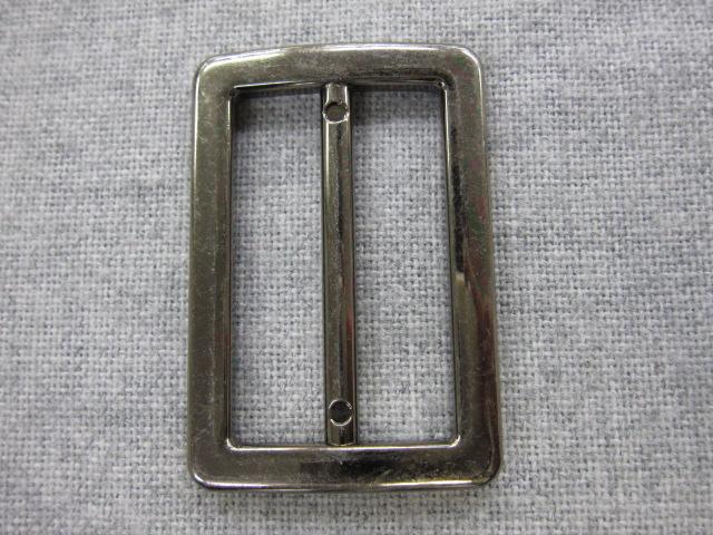 安全 サイズは内側 穴部分 の縦の長さです 4色展開 長方形型 価格 メタル調 バックル G 細いタイプ ×1個 ピン付き 50mm 内径