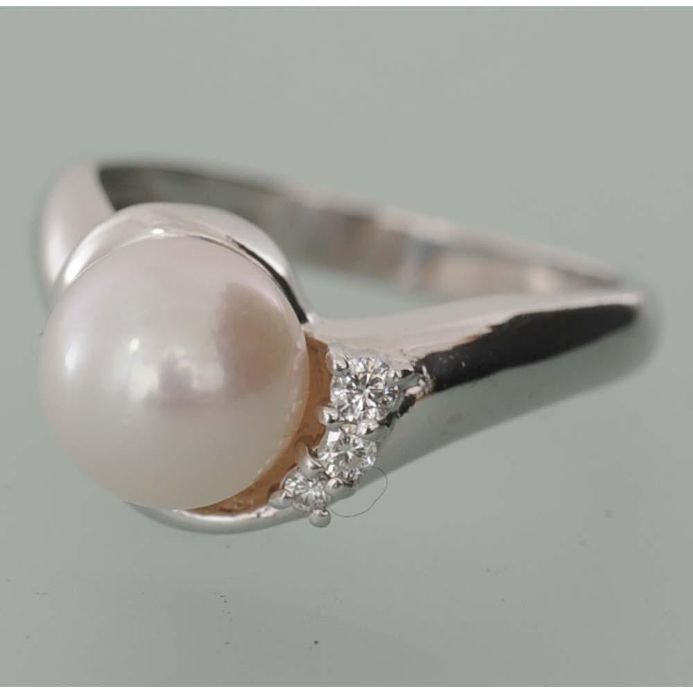 【A35】 Pt900 プラチナ900 パール(真珠) メレダイヤ3石 リング(指輪) 中古品