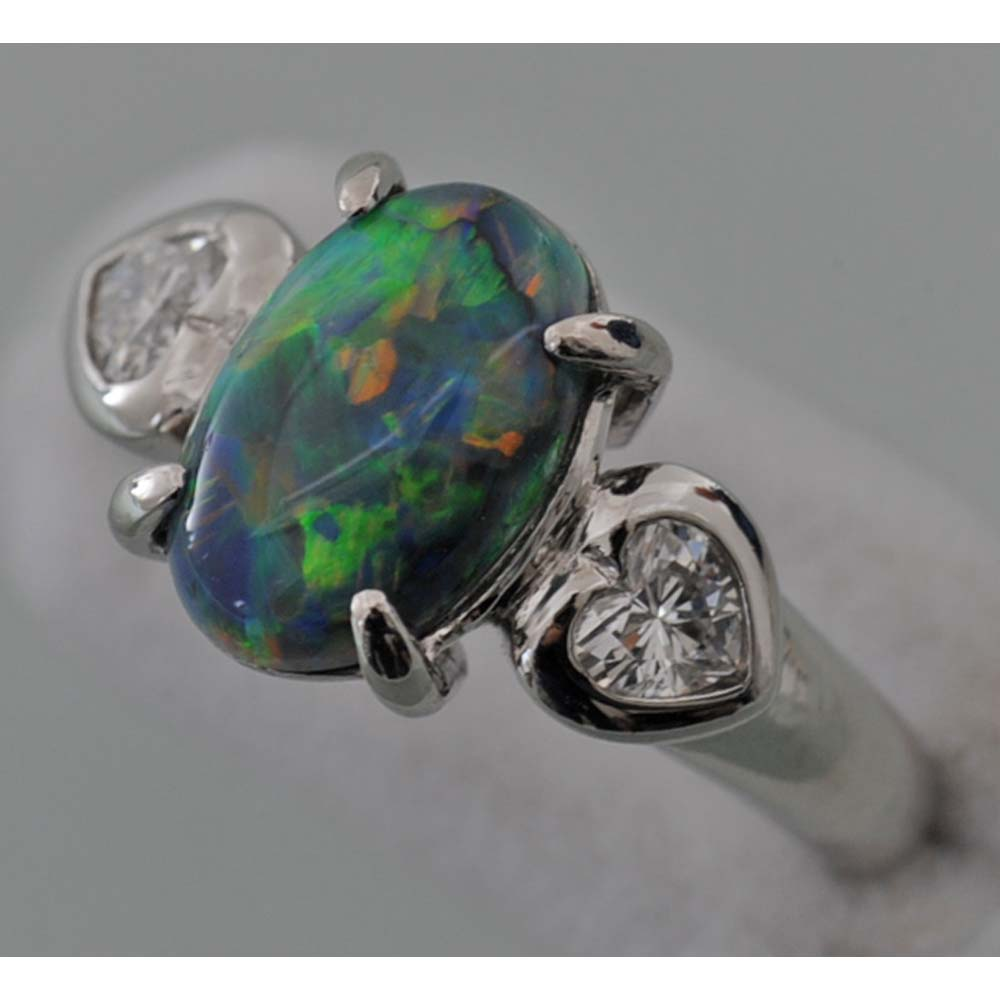 【C87】 Pt900 プラチナ 天然ブラックオパール1.96ct 天然ダイヤモンド デザイン・リング(指輪) 中古品仕上げ済み