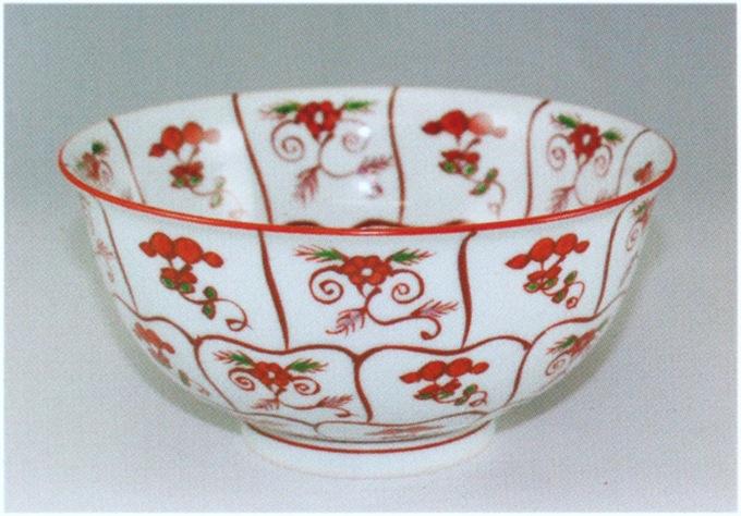 源右衛門窯 赤絵なずな紋麺鉢