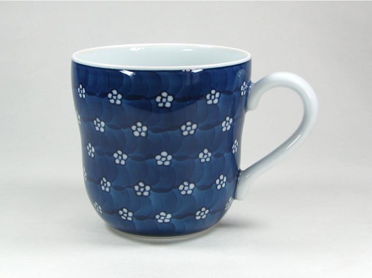 源右衛門窯 染付梅地紋マグカップ