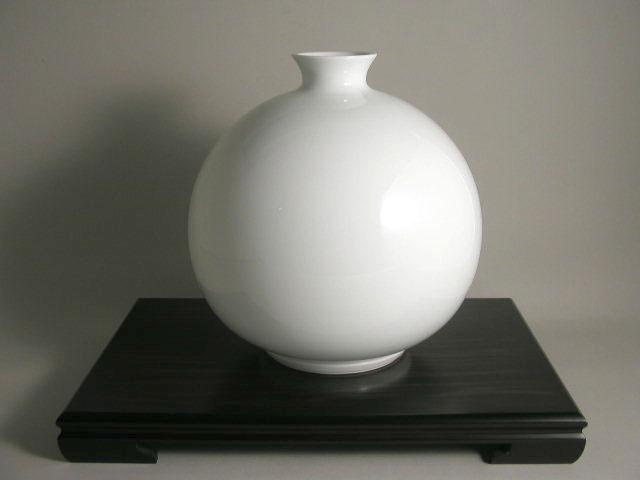 人間国宝 井上萬二作 白磁丸型壷 (径約30 高約31)