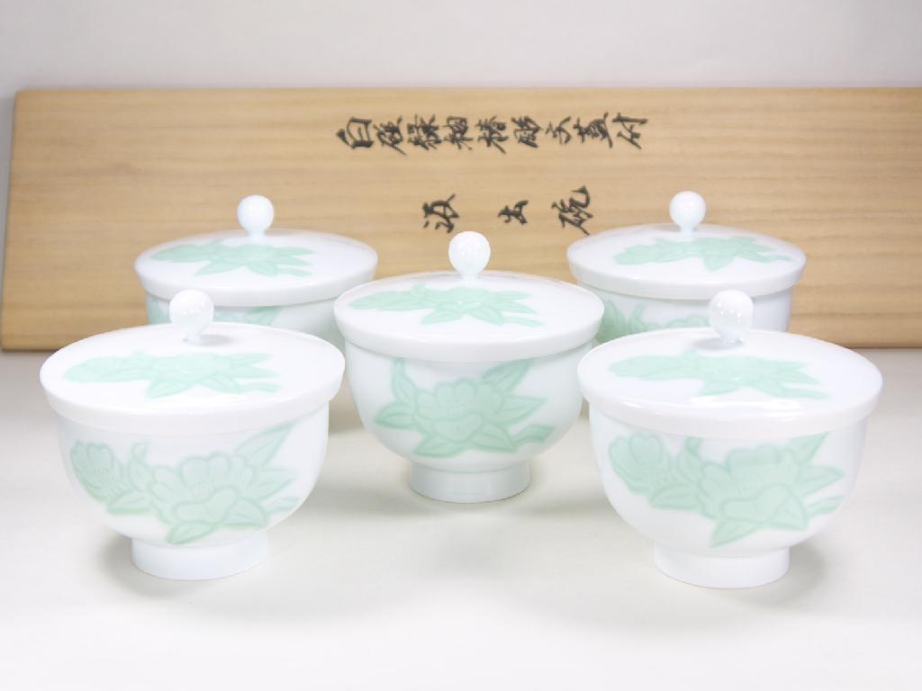 人間国宝 井上萬二作 白磁緑釉椿文蓋付汲出碗
