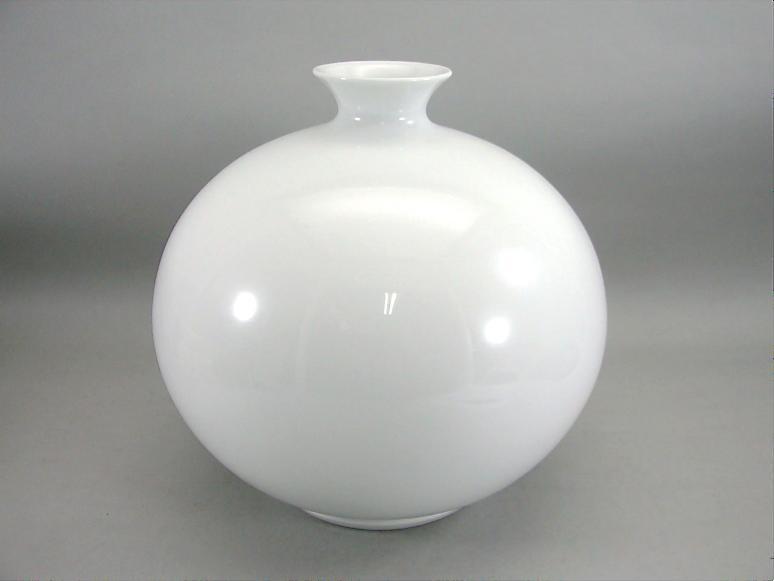 人間国宝 井上萬二作 白磁丸形壺 (径 約28cm 高さ約27cm)