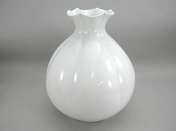 人間国宝 井上萬二作 白磁百合口花瓶 (径 約24cm 高さ約28.5cm)