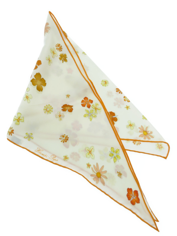 【HERMES】【フランス製】【花柄】エルメス『三角スカーフ』レディース シルクスカーフ 1週間保証【中古】b03f/h17A