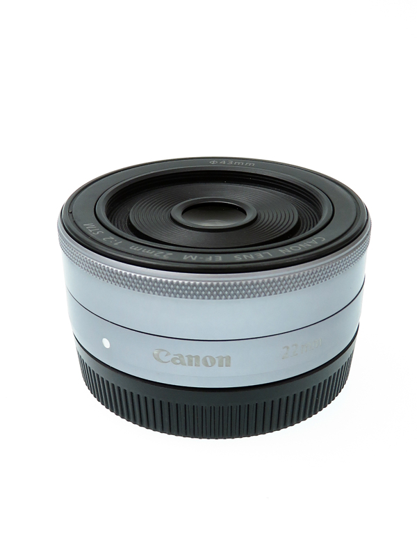 【Canon】【薄型パンケーキレンズ】キヤノン『EF-M22mm F2 STM シルバー』EF-M222STMSL Mシリーズ用 フルタイム レンズ 1週間保証【中古】b02e/h02B