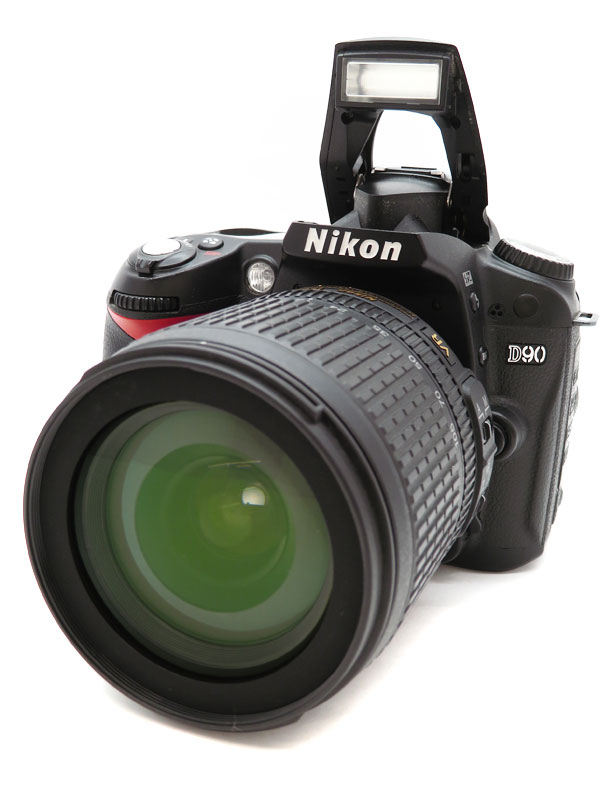 【Nikon】ニコン『D90 AF-S DX 18-105 VR レンズキット』デジタル一眼レフカメラ 1週間保証【中古】b03e/h14B