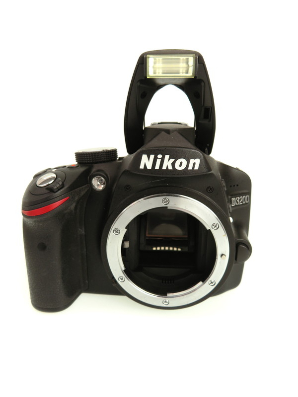 【Nikon】ニコン『D3200 ダブルズームキット』ブラック 2416万画素 フルHD動画 SDXC デジタル一眼レフカメラ 1週間保証【中古】b06e/h18B