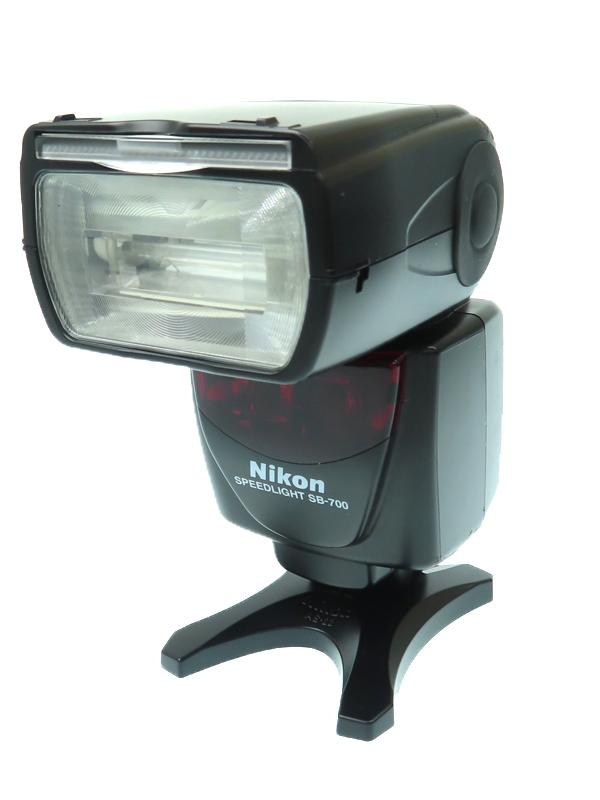 【Nikon】ニコン『スピードライト』SB-700 ガイドナンバー28 ワイドパネル内蔵 スイッチレイアウト採用 ストロボ 1週間保証【中古】b03e/h03B