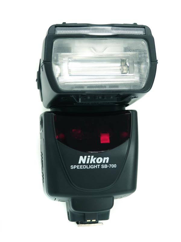 【Nikon】ニコン『スピードライト』SB-700 2010年11月発売 キャッチライト反射板・ワイドパネル内蔵 1週間保証【中古】b06e/h09AB
