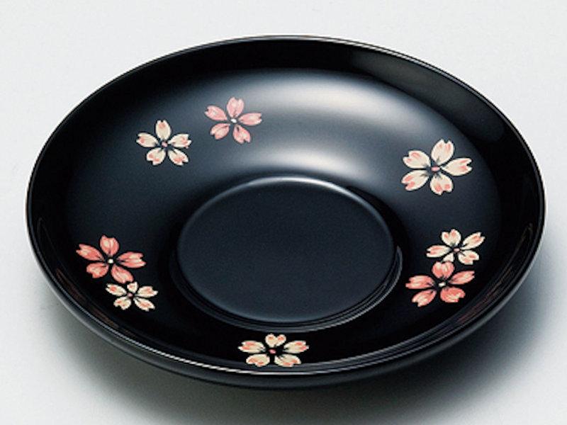 春らしい可愛い桜の漆絵が施されている茶托です! 桜ちらし 4,0茶托 黒 5枚