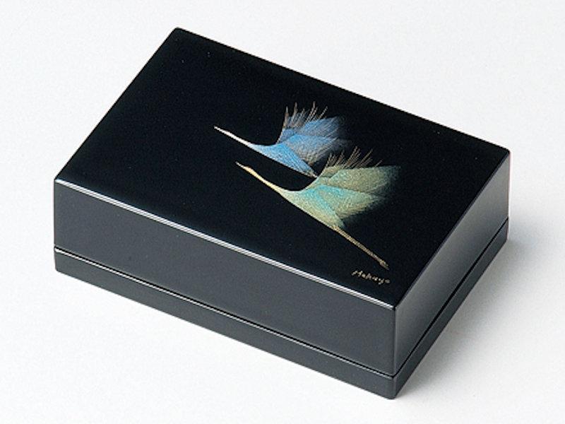 博代の世界感による現代的なデザインの名刺入れです 鶴 名刺入 黒 1個:本漆塗り 日本製 和風 カード入れ おしゃれ 記念品 倉庫 誕生日 定価 卒業 永年勤続 退職 かわいい プレゼント 御祝 ギフト