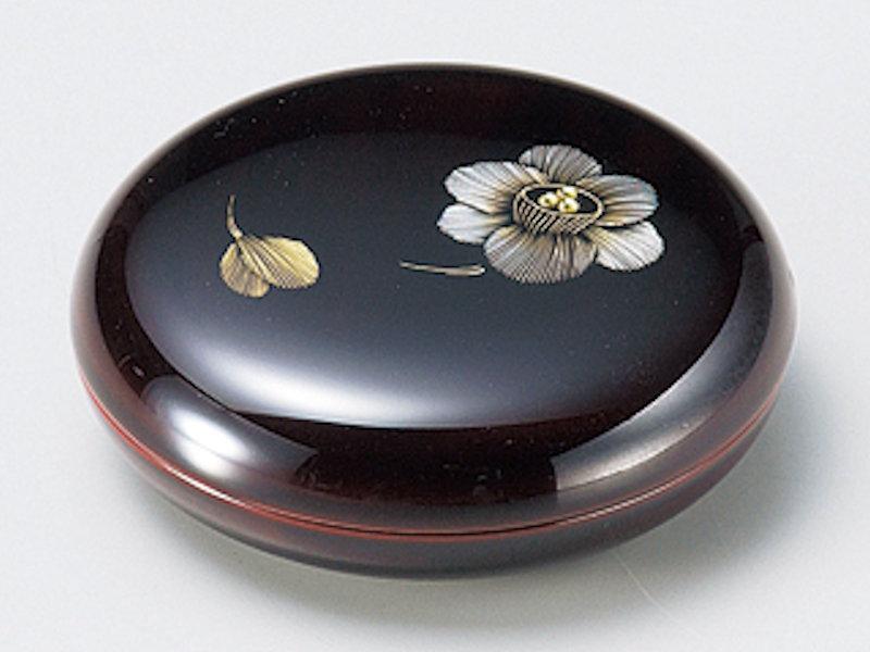 デザイン化された可愛い水仙を施したジュエリーケースです スーパーセール 沈金 水仙ジュエリーケース 溜 1個:日本製 和風 ピアス おしゃれ ギフト メーカー直送 プレゼント 御祝 かわいい 記念品 誕生日