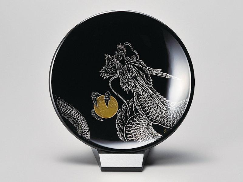 龍 飾り皿(スタンド付) 黒 1個