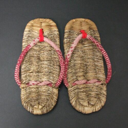 竹皮凉鞋全长 24 厘米 x 1.5 厘米 x 9.5 厘米为妇女取得日本制竹大小竹凉鞋祖父母在竹,夏天拖鞋。 木屐凉鞋推荐 23-24 厘米
