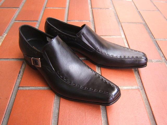 英国で培われた伝統のスタイルを正統継承!KATHARINE HAMNETT LONDON キャサリン ハムネット ロンドン紳士靴 31600 ブラック スワールモカ スクエアトゥ 送料無料