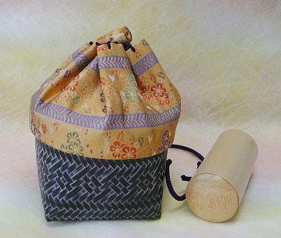 巾着籠入り野点用お茶道具セット(巾着柄:縞蔓花紋)