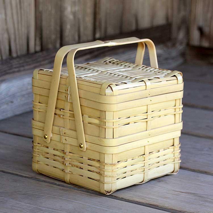 家族や友達など2~3人の少人数用秋の行楽やピクニックにおすすめ白竹ニ段弁当箱(四角)