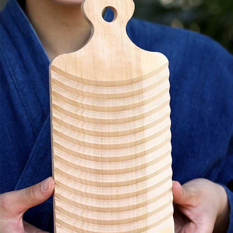 人気のミニ洗濯板 早割クーポン ミニ洗濯板で簡単お洗濯やさしい木肌のサクラで作った洗濯板 卸売り 小