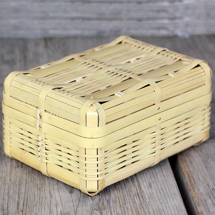 竹のお弁当箱 お得なキャンペーンを実施中 超激安 ランチボックス は通気性抜群 おにぎりやサンドイッチが蒸れずに美味しい竹製お弁当箱白竹ランチボックス 大 1段 国産 日本製 行楽 ピクニック