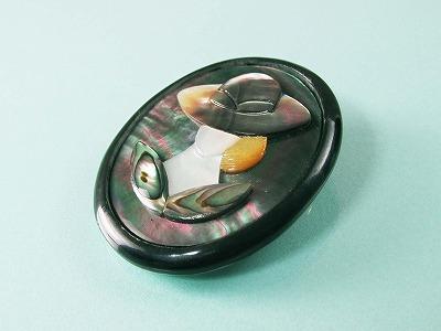 水牛枠の蝶貝ブローチ 【送料無料】【クラシカル】【アンティーク】【敬老の日】【プレゼント】