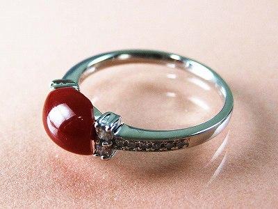血赤珊瑚 指輪 ぷちダイヤモンド付プラチナのリング (のし等ギフト対応無料) 縦約6.4ミリ×横8.1ミリの高知県産血赤珊瑚のトップ 無染色さんご 12号(9-15号は無料サイズ直し)サンゴ さんご Pt900