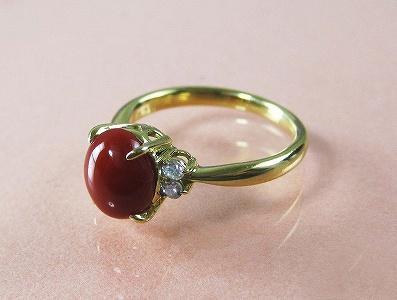 血赤珊瑚 指輪 ぷちダイヤモンド付18金イエローゴールドのリング (のし等ギフト対応無料) 8.2mm×6.8mmの血赤サンゴ 無染色さんご 8.5号(7-12号は無料サイズ直し)18k