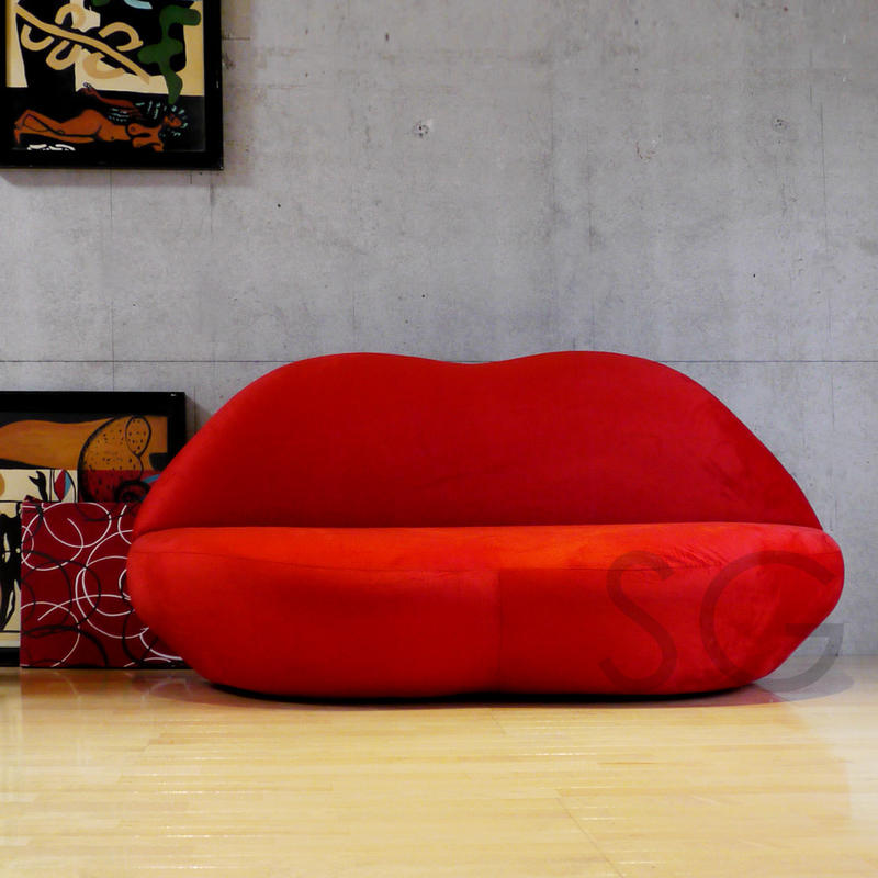 Y Red Lips Excellent At An Impact Lip Sofa