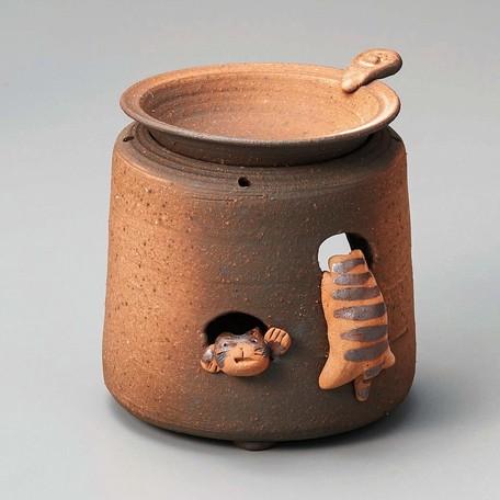 お部屋の消臭に 高嶋金物店 激安通販 常滑焼 山田白化粧猫茶香炉 茶香炉 蔵